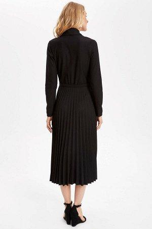 Элегантное черное платье  с юбкой плиссе