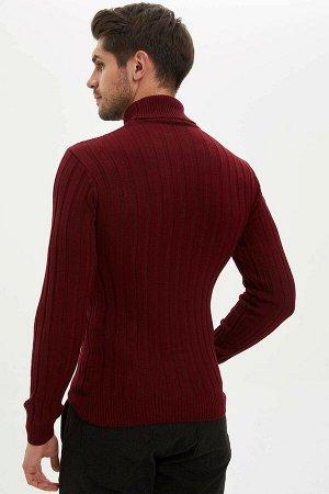 Бордовый свитер - водолазка