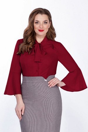 Женский костюм-тройка жакет, юбка и блузка