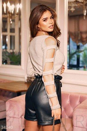 Лаконичные кожаные шорты