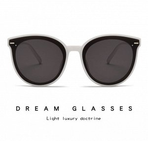 Солнце защитные очки Dream Glasses. Отличаются своей легкостью и прочностью. Линза не искажает изображение.