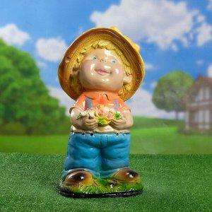 "Садовая фигура ""Мальчик с цветком средний"", 23х25х47см, МИКС"