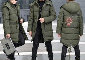 Куртка Маломерит идет на 110-120 замер по изделию бюст 72 см длина 50 см рукав 40 см