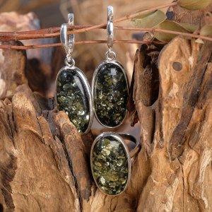 """Гарнитур 2 предмета: серьги, кольцо """"Янтарь"""" овал, цвет зелёный, 18 размер"""