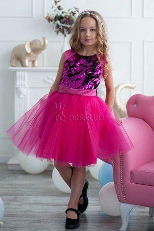 Платье Нарядное платье с реверсивными пайетками. Если провести рукой по пайеткам, цвет меняется на черный.  По спинке молния, сзади платье завязывается на большой красивый бант. Подклад ве