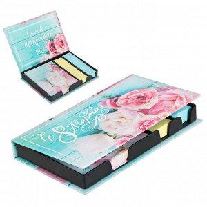 """Бумажный блок в пластиковом футляре """"С 8 марта"""": 100 листов и 2 набора стикеров"""