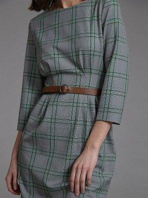 Платье Размерный ряд: 42-50 Состав ткани: вискоза60%, полиэстер37%, эластан3% Длина: 102 см. Описание модели Серое приталенное платье в клетку. Имеет круглый вырез горловины втачной рукав 3/4. Заст