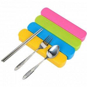 Набор столовых приборов из 3 предметов (ложка, вилка, палочки) из нержавеющей стали в пластиковом футляре