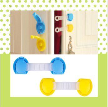 Беби шоп. Товары для детей с рождения — Блокираторы, заглушки для розеток, мягкие ленты на мебель — Все для кормления