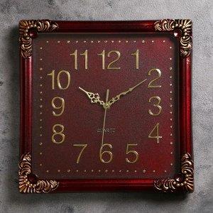 Часы настенные. квадратные. с завитками под металл по углам. коричневые. 35х35 см