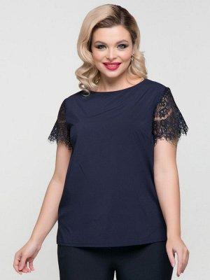 Блузки Блузка полуприлегающего силуэтаиз крепа однотонной расцветки с рукавами из кружева . - горловины круглая на внутренней бейке - укороченные втачные рукава выполнены из кружева - низ прямой с бо
