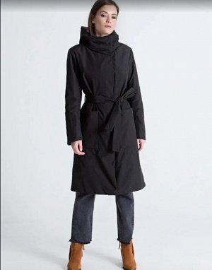 Пальто черный и бежевый (46,50,52), Уютное повседневное пальто.  Застежка молния с ветрозащитной планкой на кнопках. Воротник «стойка» с регулируемым капюшоном на пуговицах. Накладные карманы, пояс в