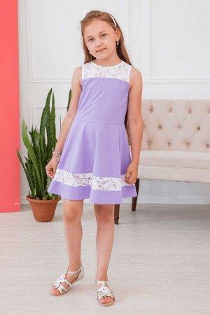 Лиловое платье с кружевными вставками