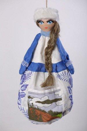 Снегурочка ОПИСАНИЕ Вашему вниманию предлагается добрая и милая кукла, несущая тепло и уют в каждый дом!  Это удобный и функциональный контейнер для хранения полиэтиленовых пакетов, фартуков, салфеток
