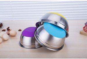Набор металлических чашек с силиконовым дном