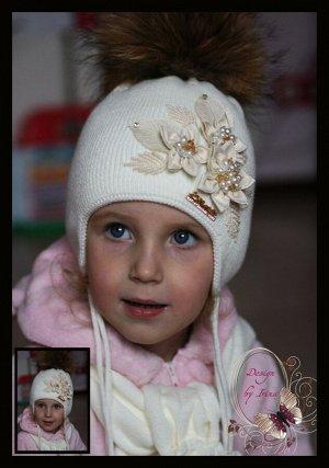 Комплект (шапка+шарф) Ребекка (молоко) с натуральным помпоном из енота