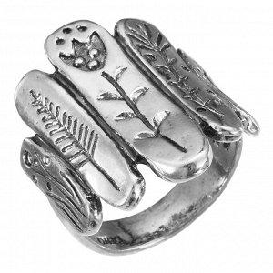 Кольцо Кольцо из серебра 925 пробы. Ширина верхней части кольца 26 мм, ширина шинки кольца 5 мм. Средний вес изделия 7,9 гр. Производство Израиль.