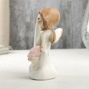 "Сувенир керамика ""Ангел-малыш в перламутро-розовом платье на месяце"" 9х4,6х7 см"