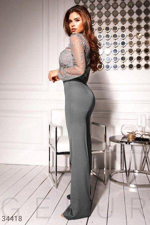 Расклешенные брюки с высокой посадкой
