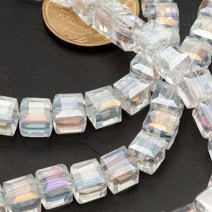 Хрустальные бусины кубики 7,5мм бесцветные с АВ-эффектом.
