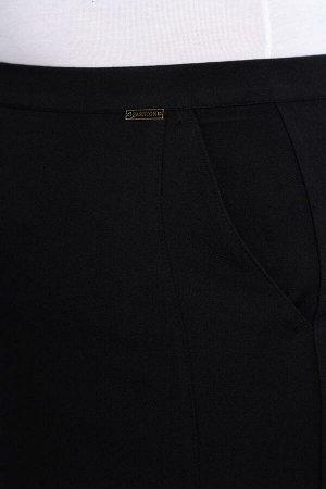 Юбка миди Состав: полиэстер – 71% вискоза – 24% спандекс – 5% Рост: 164 см. Юбка прямая, немного зауженная к низу, с рельефами по бокам. На переднем полотнище боковые, косые карманы; на заднем полотни