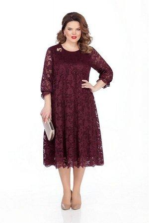Платье Платье TEZA 304 бордо  Состав ткани: Вискоза-20%; ПЭ-80%;  Рост: 164 см.  Нарядное платье трапециевидного силуэта из ажурного кружева с втачным рукавом. Рукава прямые, внизу с рюшей на резинке