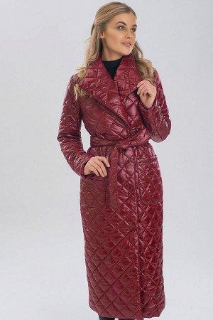 Винный Такая модель стеганого пальто не только прекрасно защищает от непогоды, но и кардинально преображает образ, делая его стильным и невероятно элегантным. В таком пальто вы всегда будете выглядеть
