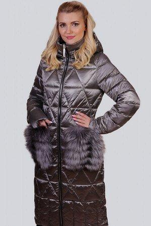 Серый Меховая отделка всегда считалась отличием изысканности и роскоши в дизайне стильной одежды. Модным выбором в последнем сезоне остается вариант с пушистым декором на карманах. Эта деталь выполнен