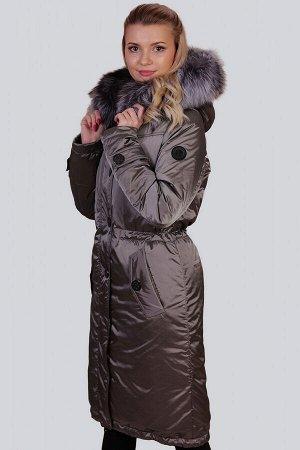 Серый Самыми стильными моделями стали зимние пальто с утеплителем термофин, декорированные натуральным мехом чернобурки.  Именно такой натуральный декор, по мнению модельеров, сегодня на пике популярн