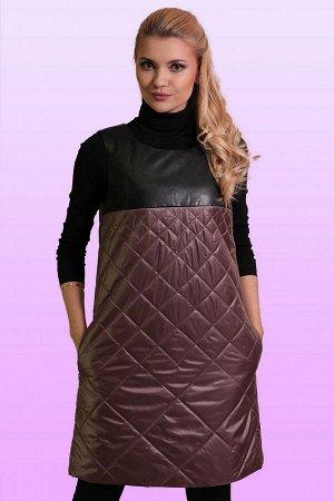 Какао Теплые сарафаны зимой 2018 года, как и во всех предыдущих сезонах, принято носить поверх одежды с рукавом – такой комплект необычайно удобен и выглядит стильно. Сарафан свободного силуэта из сте