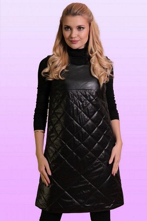 Черный Теплые сарафаны зимой 2018 года, как и во всех предыдущих сезонах, принято носить поверх одежды с рукавом – такой комплект необычайно удобен и выглядит стильно. Сарафан свободного силуэта из ст