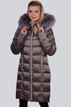 Серый Одним из самых функциональных декоративных элементов, безусловно, является капюшон. Он не только довершает внешний вид зимнего изделия, но и защищает вас от холода и снега. В пальто с капюшоном