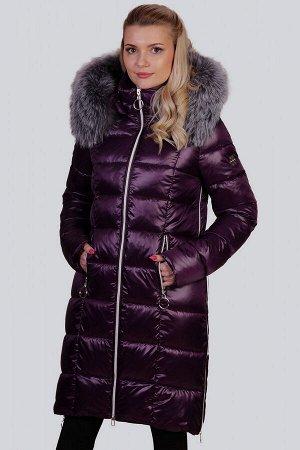 Баклажан Одним из самых функциональных декоративных элементов, безусловно, является капюшон. Он не только довершает внешний вид зимнего изделия, но и защищает вас от холода и снега. В пальто с капюшон