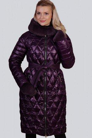 Баклажан Зимнее пальто с утеплителем синтепух– один из самых удачных стильных выборов на холодный период для ежедневной носки. Синтепух-это искусственный наполнитель, хорошо сохраняющий тепло и не впи