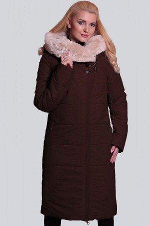 Коричневый Теплое пальто удобного прямого силуэта с асимметричной застежкой на молнию. Объемный капюшон с широкой опушкой из искусственного меха будет хорошей защитой от холодных ветров. Карманы в шве