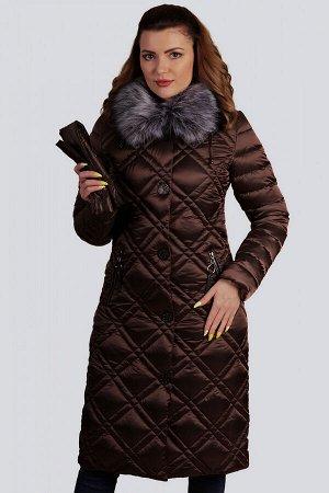 Кофейный Украшением зимней коллекции  станет пальто в классическом стиле. Элегантное и комфортное, отличительной особенностью которого является стежка -двойной ромб. Центральная застежка на молнию и к