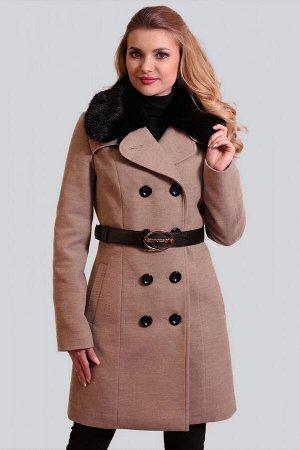 Бежевый Для непревзойденно изысканного образа: двубортное драповое пальто. Классическая модель с отложным воротником приталенного силуэта. Воротник можно поднять для большей защиты от ветра и холода.