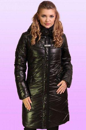 Черный Весеннее пальто приталенного силуэта.  Утеплитель термофин, плотность 200, центральная застежка молния, закрытая планкой на кнопках. Вертикальная планка зрительно удлиняет фигуру. На груди деко