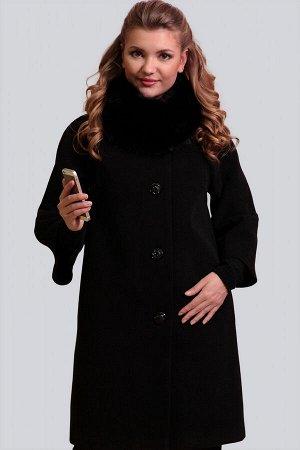 Черный Невероятно изящное, безумно женственное и элегантное драповое пальто. Силуэт прямой. Рукав малого объема с небольшим расклешением, цельнокроеный. Модель дополнена съемным воротником-хомутом из