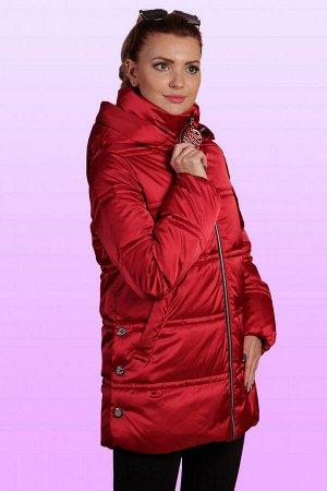 Рубиновый Удлиненная куртка спокойного силуэта, умеренного объема из атласных тканей отлично впишется в весенний гардероб каждой женщины. Современный дизайн изделия позволит носить его с любой одеждой