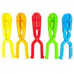 Форма для лепки снежков ABtoys Зимние забавы двойная, в форме гранаты, диаметр 7,5 см цвета: красный, синий, желтый, зеленый, оранжевый9123