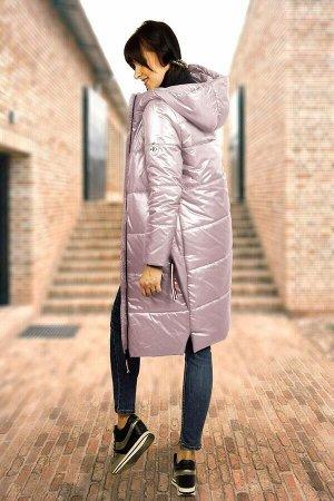 Пальто Ткань матовая, без блеска! МиА-Мода 944-3 Состав ткани: ПЭ-100%; Рост: 164 см. Молодежное женское демисезонное пальто прямого силуэта с капюшоном. Пальто имеет длинную молнию по центру с двумя