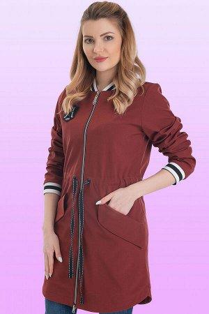 Каштановый Плащ-бомбер стал популярной одеждой в молодежной среде. Но не только юные девушки, а и дамы вполне солидного возраста не прочь включить такой плащ в свой гардероб. Центральная застежка на м