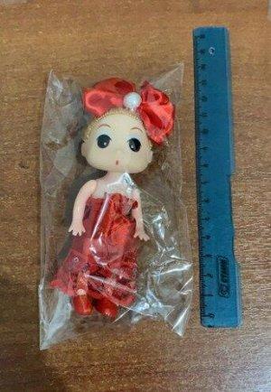 Кукла маленькая (девочка) в красном платье с бантом на голове