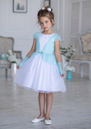 Платье Состав: верх 100% полиэстер, подклад 100% хлопок Очаровательное нарядное платье с контрастной кружевной отделкой. Платье отрезное по линии талии, комбинированное. Оснавная ткань платья атласная