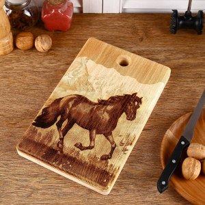 Доска из массива кедра «Лошадь», прямоугольная, 18 x 28 см
