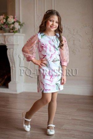 Платье Платье облегающего силуэта, из плотного атласа, с принтом. Полностью на хлопковом подкладе. Спинка однотонная, цвета пудра. Молния по спинке. ***  На фотографии девочка ростом около 134см