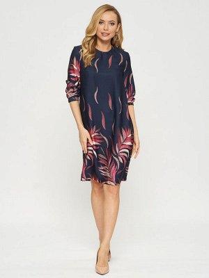 Платье Платье П-2010 ЖАР(В20)  Состав ткани : Вискоза 93%, шерсть 7% Рост фотомоделей: 178 см  Платье с принтом из лепестков-перьев на темно-синем фоне. Рукава на резинке, застежка на пуговицу на спи