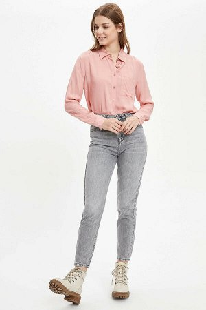 рубашка Размеры модели: рост: 1,75 грудь: 80 талия: 60 бедра: 90 Надет размер: M Вискоз 100%