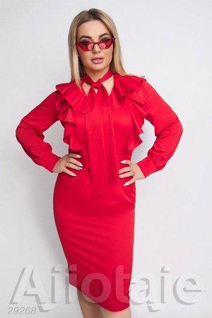 Красное платье с воротником аскот